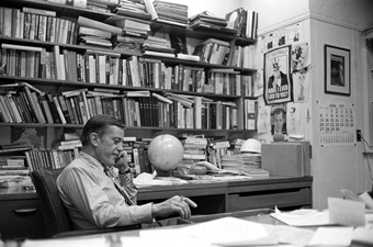Ben Bradlee, Legendary Washington Post Editor