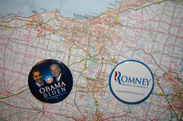 Romney vs Obama buttons on map